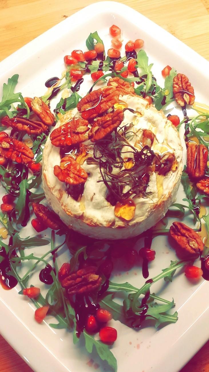 Ovnsbakt Camembert med honning & granateple